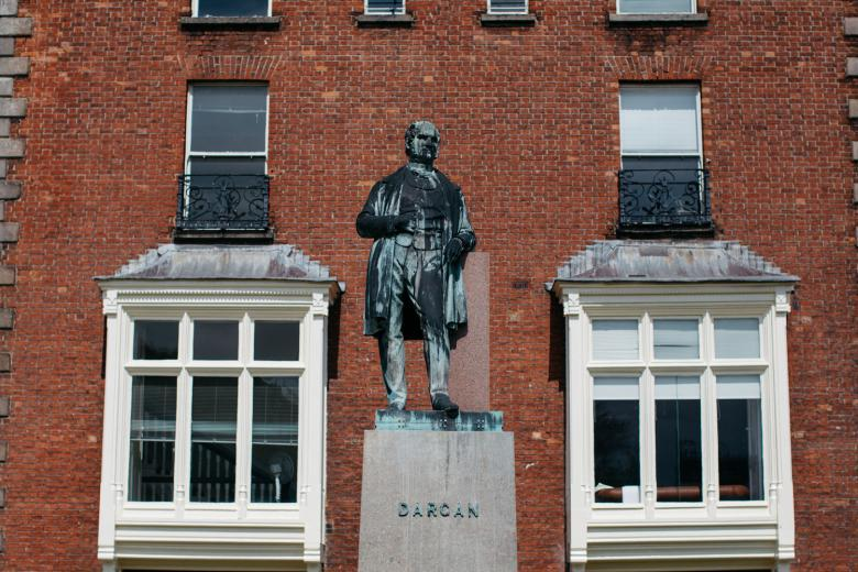The statue of William Dargan in the forecourt of the gallery. © National Gallery of Ireland.