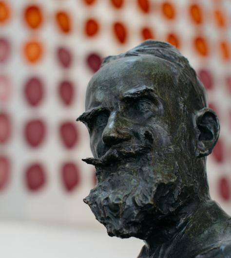 Head of a bronze statue of George Bernard Shaw