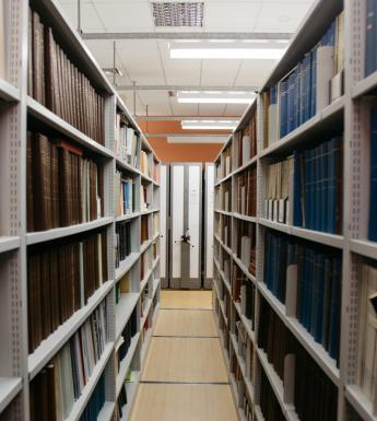 Shelves in the Art Library. © National Gallery of Ireland