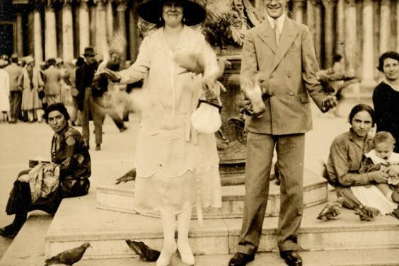 Lady Alice Mahion and Denis Mahon in Piazza San Marco, Venice